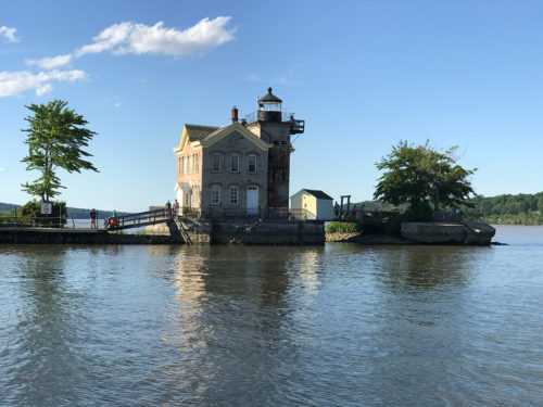 The lighthouse on the Hudson can be booked for short stays