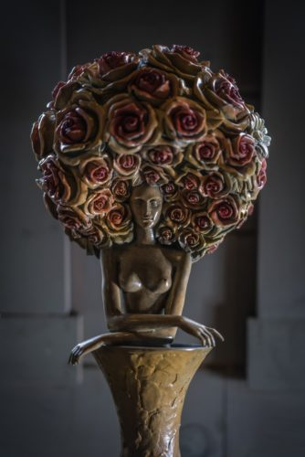 Rose awaiting : Sculpture in the master bedroom